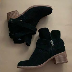 New UGG Suede Ankle Boots Size 6